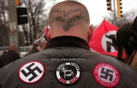 Неонацисти се надигат срещу мигрантите в Кьолн