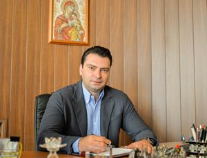 """Калоян Паргов: Номинацията на Мадам """"YES"""" за просветен министър е цинична и обидна"""