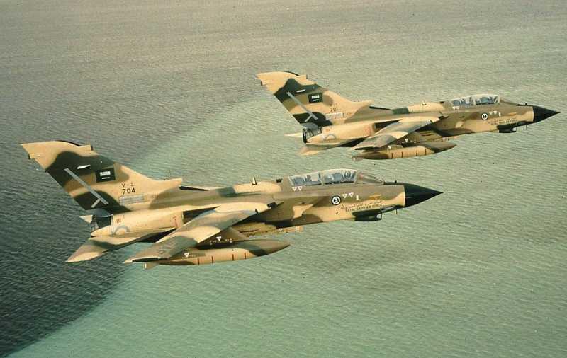 """Саудитска Арабия праща """"ядрени изтребители"""" в Турция, подготвят се за инвазия на Сирия"""
