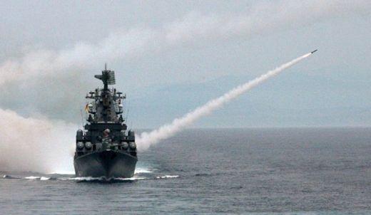 Руският Черноморски флот започна големи маневри