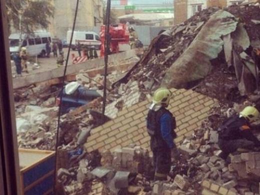 Ужас в Москва! Пететажна сграда се срути (ВИДЕО)