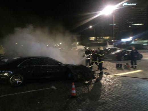 """Вижте на кой известен бизнесмен е опожареният """"Мерцедес"""" S-класа пред НДК!"""