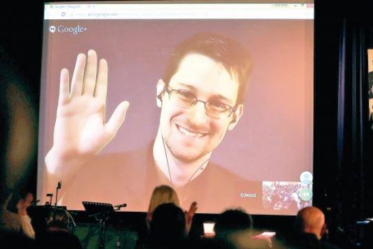 Кремъл: Гледайте филма за Сноудън, заслужава си
