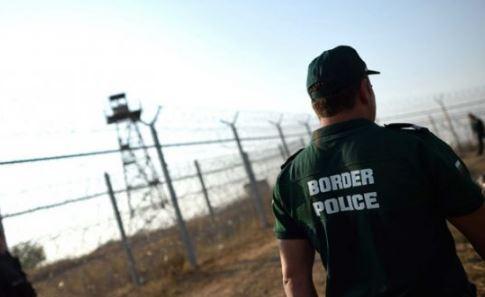 Унгарските затворници работят денонощно, произвеждат бодлива тел