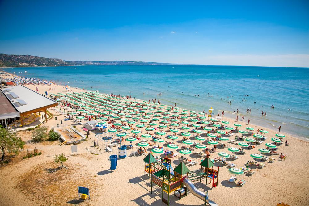 Броят на руските туристи зад граница е намалял с 28%