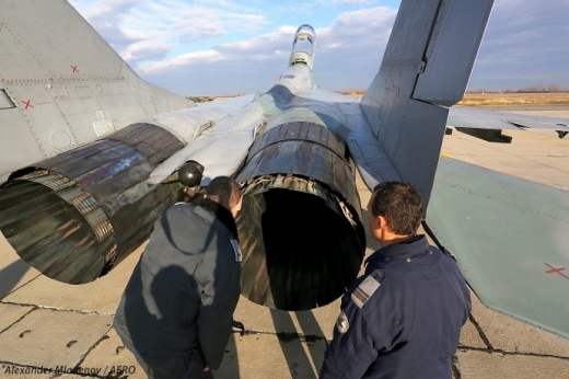Русия внимателно следи проваления търг за двигателите на българските МиГ-29