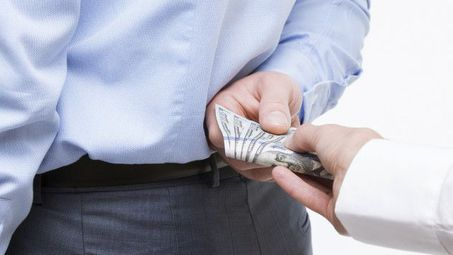 Корупция и лошо управление правят България най-бедна в ЕС
