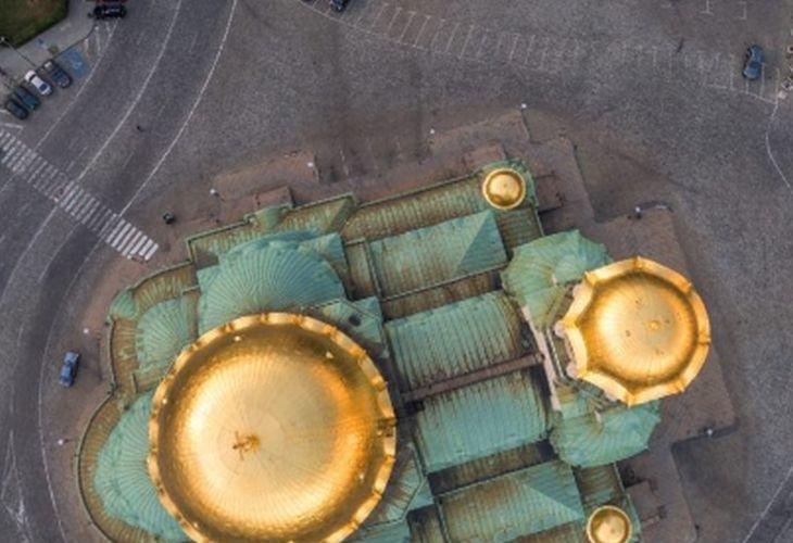 """От птичи поглед! Уникални кадри на катедралния храм-паметник """"Св.Александър Невски"""" (ВИДЕО)"""
