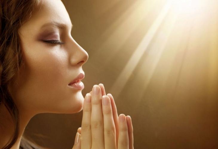 Доцент доказа как молитвата променя кръвта и лекува