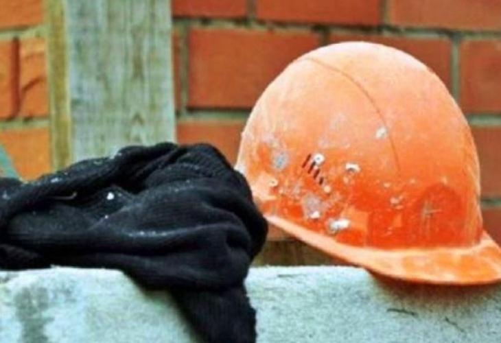 Стана ясно кой е строителят, който се строполи на земята и издъхна пред очите на колегите си в Благоевград