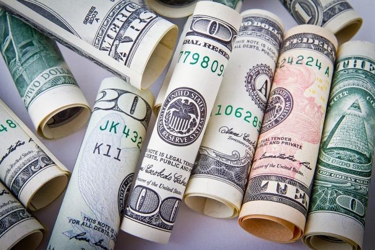 Малко по малко парите изчезват! Плащане в кеш или онлайн - всичко, което трябва а знаете за финансите си!