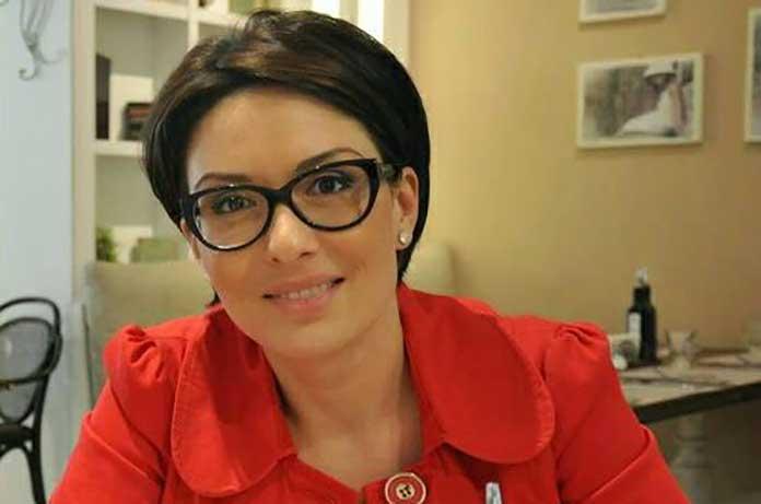 Цвета Кирилова: Мили ми политици, спрете да лъжете като за световно, защото вече сте смешни! Ерго противни!