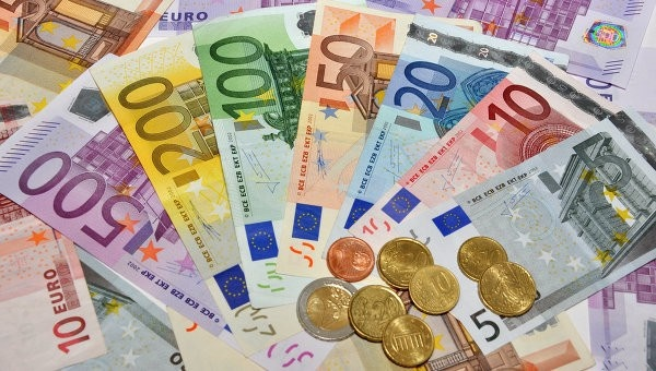 """Тръгва подписка за еднакви заплати в ЕС! Инициативата е част от межд. обединение """"Доходен съюз"""", а ето кой представя България в него!"""