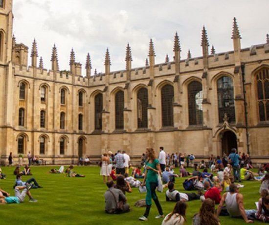 Бум на БГ студенти в Англия заради Brexit