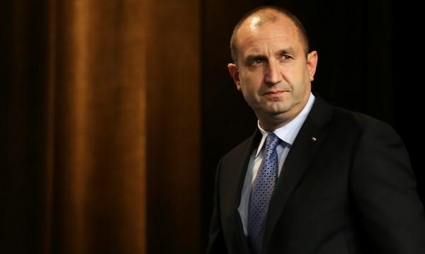 Румен Радев: Управляващите са на път да загубят човешкия си облик