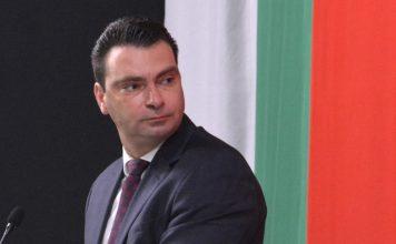 Председателят на БСП София Калоян Паргов в действие.
