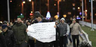 Сблъсъци на протестиращи и полиция в Перник, градът е окупиран от жандармерия