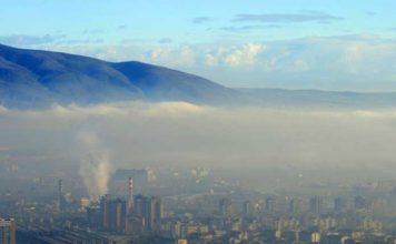 Децата ни дишат Менделеевата таблица и се давят в смога. Водата ни е отровена. Ядем отрова