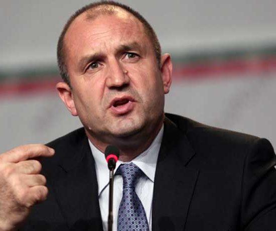 Радев: Импийчмънт срещу мен ще напълни площадите и ще доведе до окончателен крах на управлението