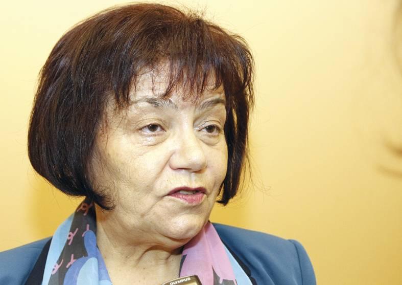 Янка Такева: При оставка на правителството е възможно да се провали учебната година