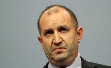 Времето за промяна изтича – както изтичат навън младите и трудоспособни българи, както гаснат българските села