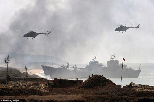 Daily Mail: Военните учения в Крим дават да се разбере, че Русия няма да даде полуострова (СНИМКИ/ВИДЕО)