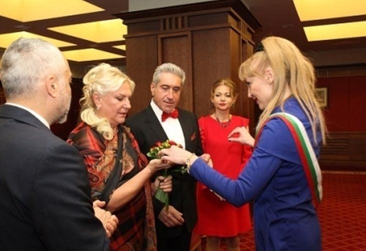 Вместо зестра най-богатата българка подарява на мъжа си замък в Австрия или Германия