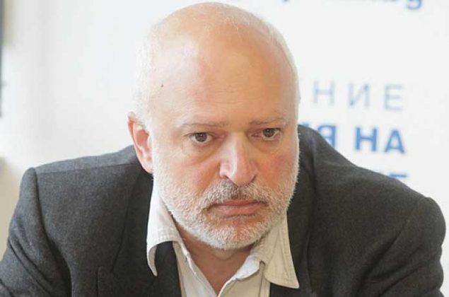 Борисов взима дълг от 5 млрд, за да раздава предизборно, това вече е осъдително. Ще плащаме 30 г. този дълг за неговия кеф