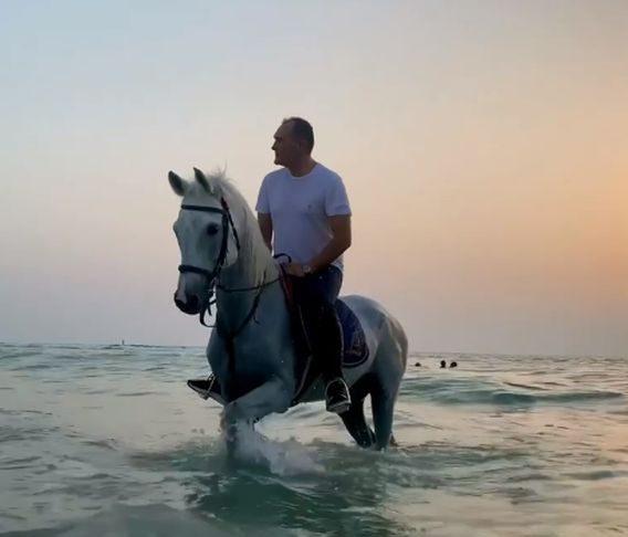 Васил Божков се връща на бял кон. Падат обвиненията срещу него и му връщат лицензите за хазарт
